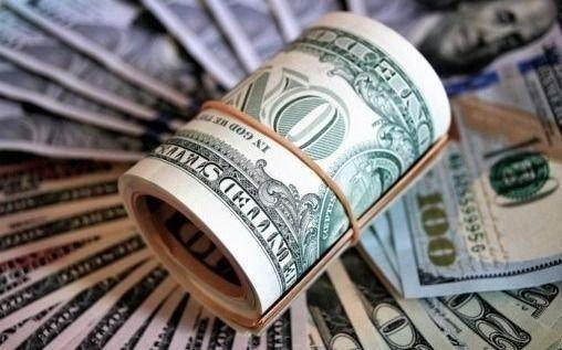 Dólar cortó racha alcista de la semana pasada con baja de 0,14%