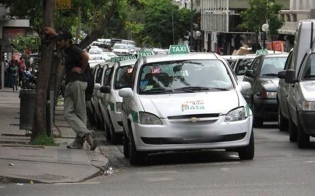 Cambiemos ahora ordena bloquear el desembarco de Uber en la Provincia