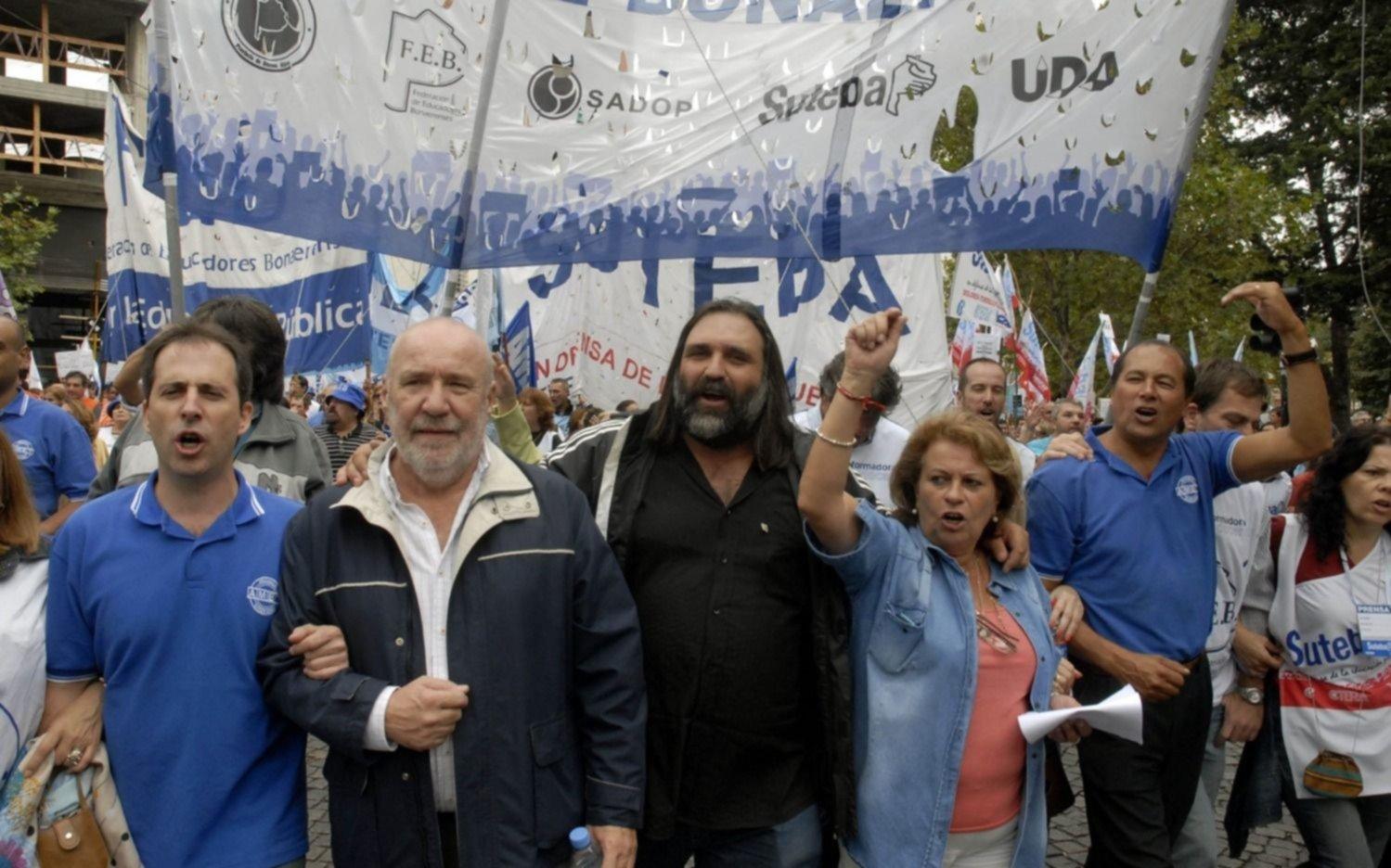 Huelga de 36 horas afectará servicios este lunes en Córdoba