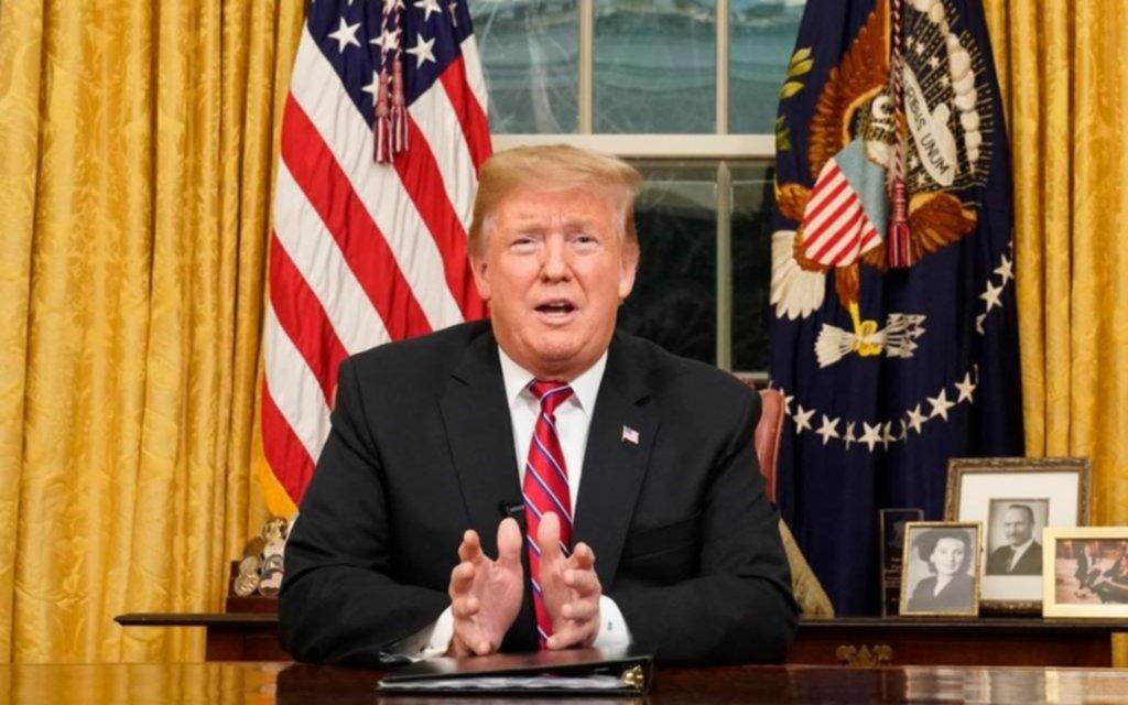 """Trump defiende el muro y dice que los demócratas son """"el partido del crimen"""
