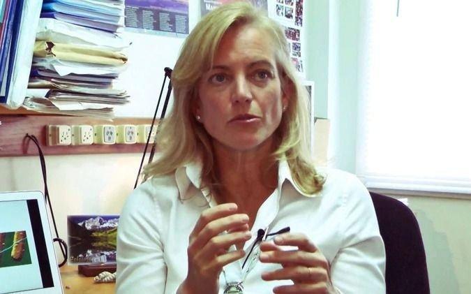 Distinguen a una física argentina con el premio L´Oréal-Unesco