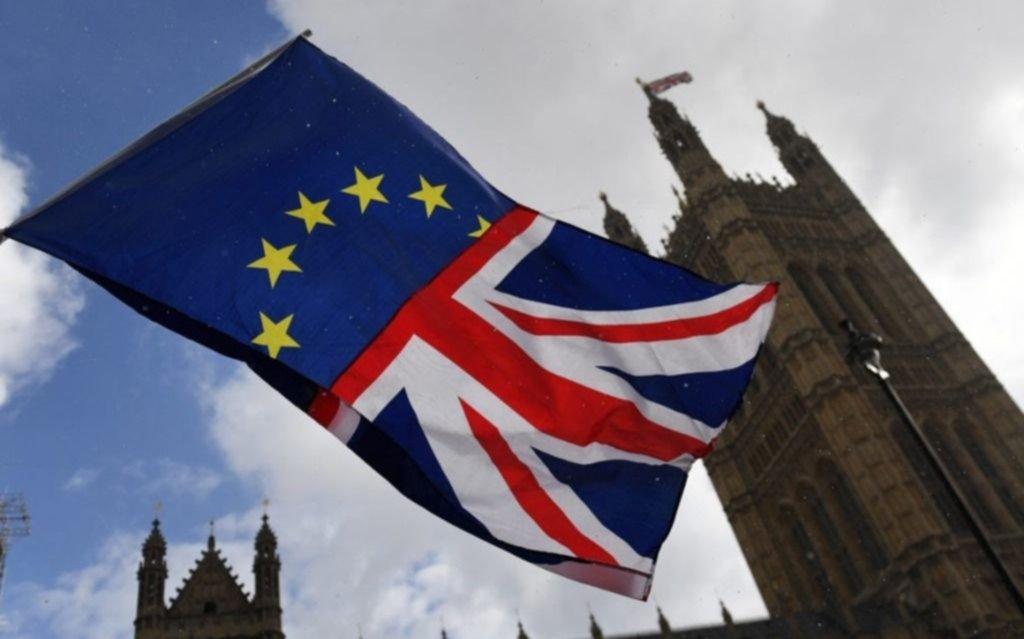 El Parlamento inglés rechaza un Brexit sin acuerdo y crece la incertidumbre