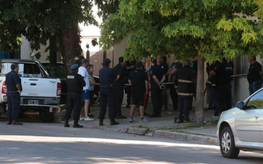 Indagan al hermano del hombre que mató a puñaladas a su vecina en 29 y 59