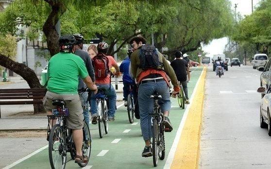Debe promoverse el uso de la bicicleta, pero de modo seguro