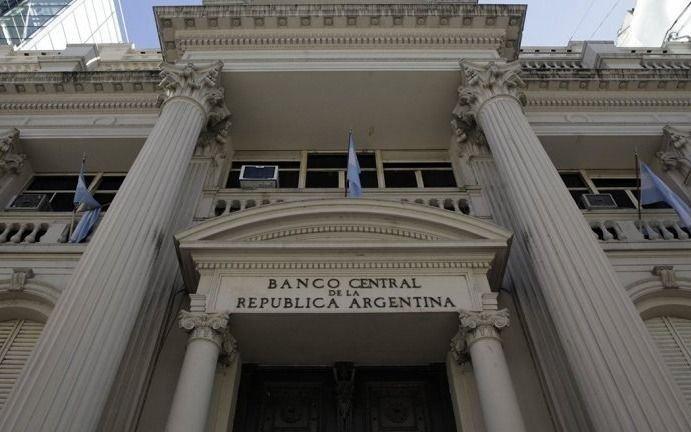 La calma en el mercado de cambios no alcanzó para frenar las tasas