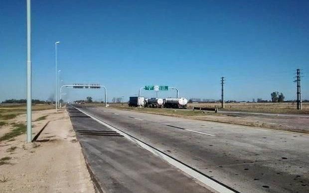Evaluarán nuevas alternativas para la traza que conectará la ruta 6 con el Puerto La Plata