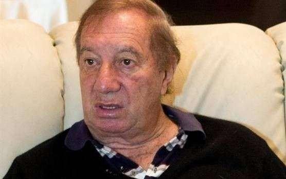 Carlos Bilardo, internado en Buenos Aires
