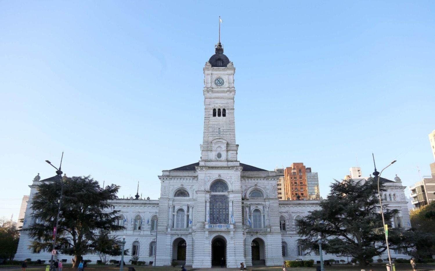Con payadores, folclore y artesanos, la Ciudad celebra a pleno la fecha patria