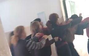 Denuncian que un alumno y su madre agredieron a un docente de la Escuela 22