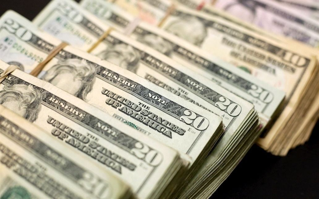 El dólar minorista cerró a $45,17 y en la semana retrocedió 2,97 por ciento