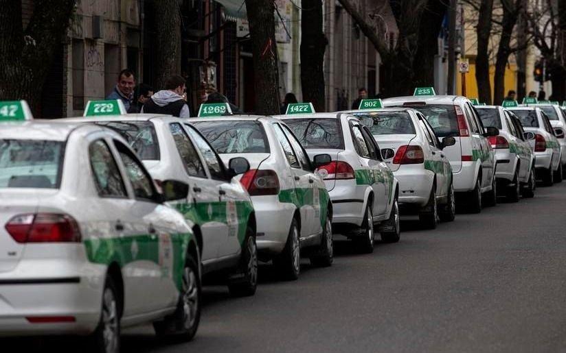 """Se movilizan los taxistas y para el tránsito el Centro será un """"laberinto"""""""