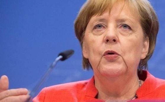 Merkel volvió a tener temblores en público por tercera vez en un mes