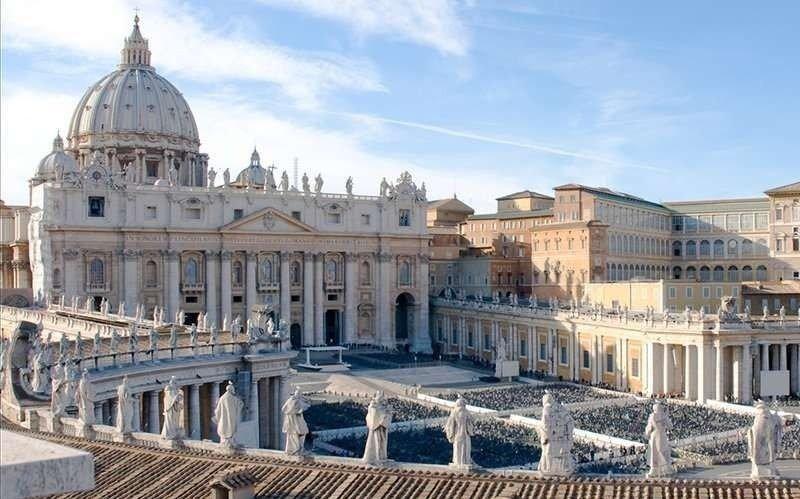 Abren tumbas en el Vaticano por un caso misterioso