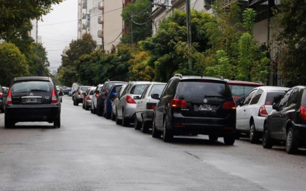 El problema del estacionamiento frente a las escuelas
