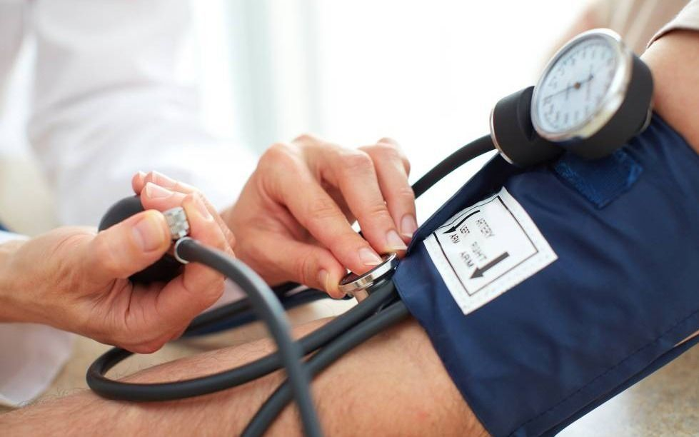 Detectan hipertensión en más de la mitad de los argentinos