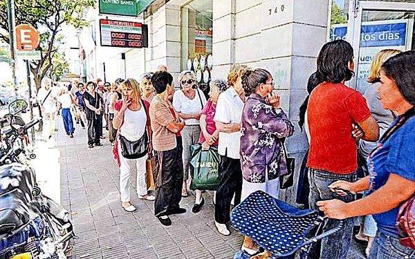 IPS: jubilados cobran hoy la segunda cuota del bono