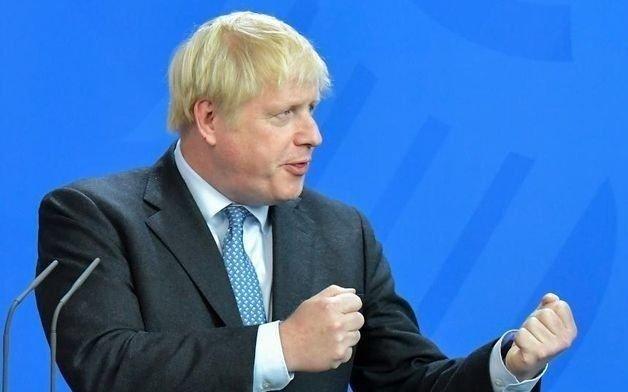 El Parlamento obliga a Johnson a aplazar el Brexit