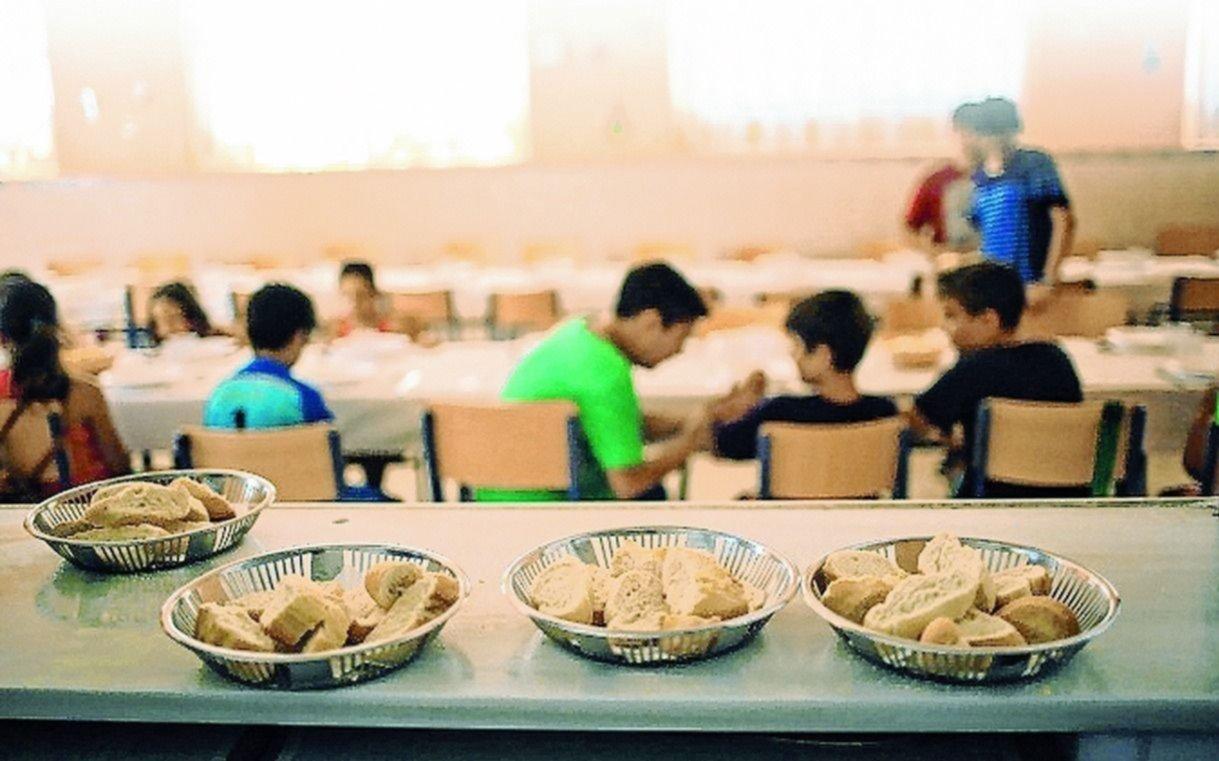 En los comedores de la Ciudad dominan los fideos y el arroz: casi no hay carne ni verduras