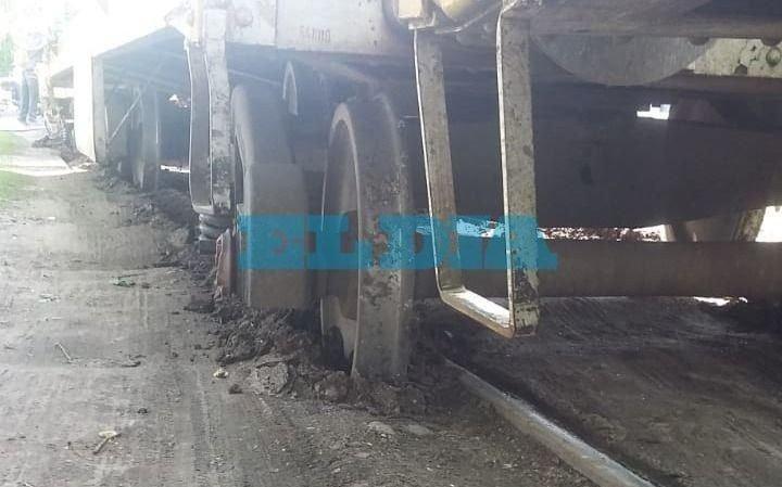 Enorme susto: otra vez descarriló el tren carguero