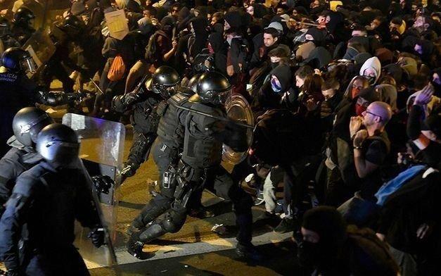Baja la intensidad de la protesta en Cataluña, en medio de presiones políticas