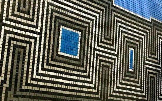 Artistas mosaicistas de La Plata exponen su colorida producción
