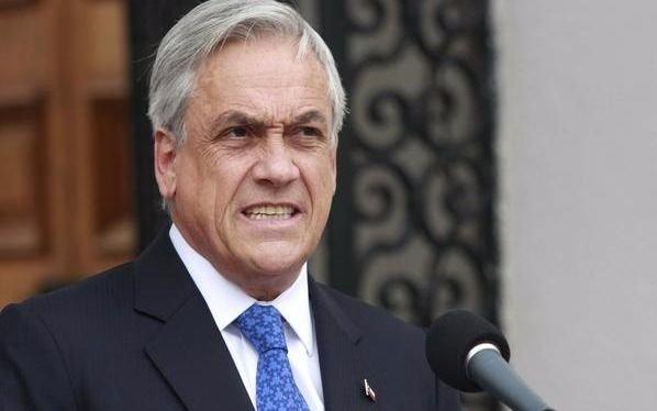 La aprobación al gobierno de Piñera cae a pique