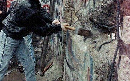 La ilusión y la realidad: a treinta años de la caída del muro de Berlín