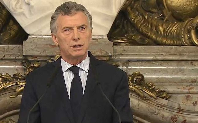 Se abre una hendija entre Macri y la UCR