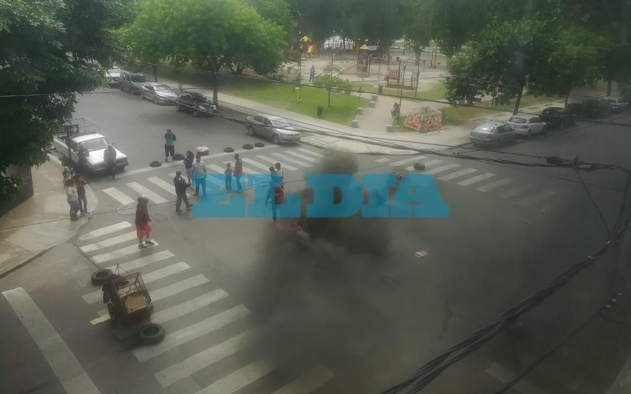 Protesta de carreros y caos vial en la zona de Control Ciudadano y plaza Malvinas