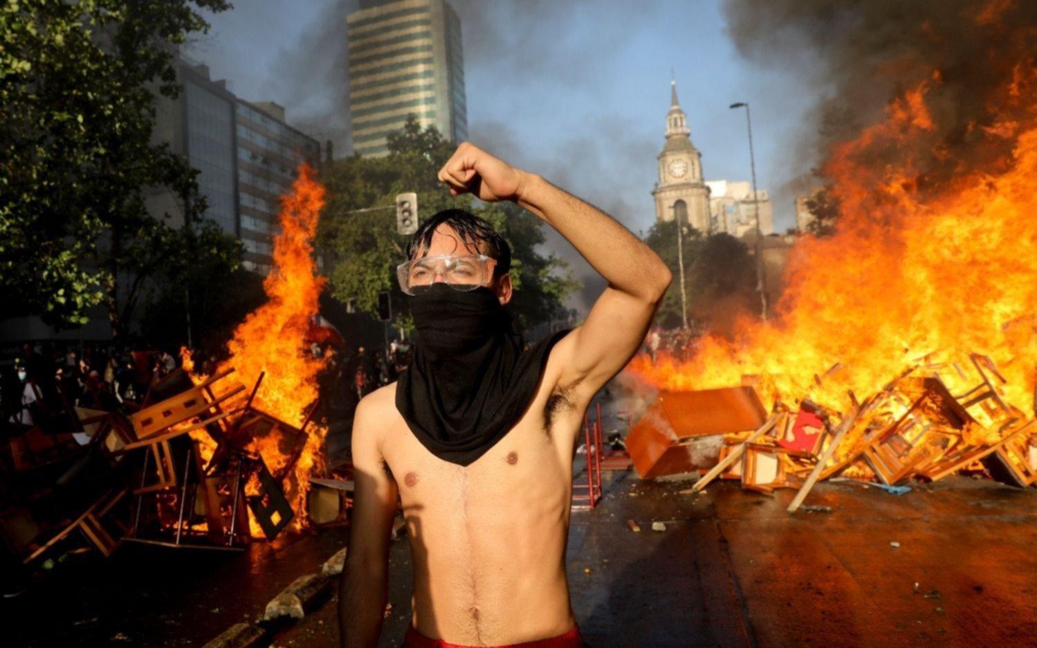 Rugen las calles en los países andinos