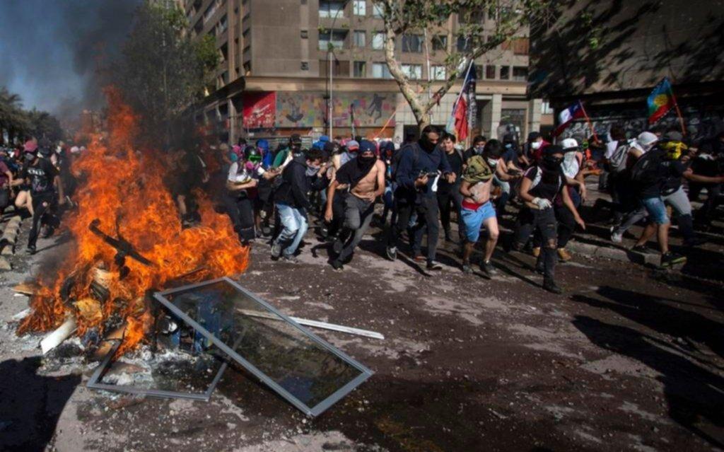 Carabineros informó más de 18.000 detenciones en Chile por las protestas
