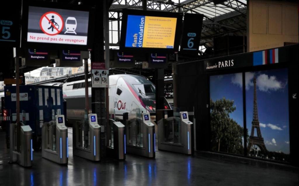Francia sin trenes ni subte por la huelga