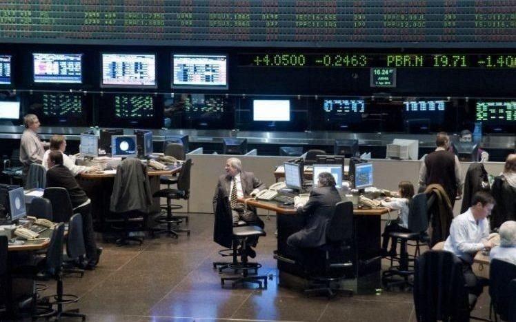 La Bolsa cayó casi cinco por ciento