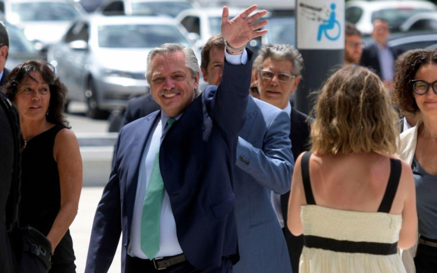 Un mes de Alberto Fernández en el poder y el nuevo rumbo político de la Argentina