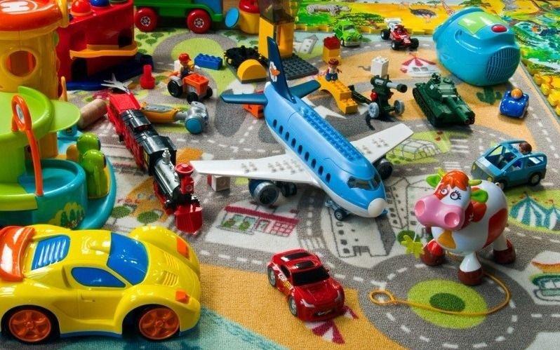 Donaciones de juguetes para cientos de niños de la Ciudad