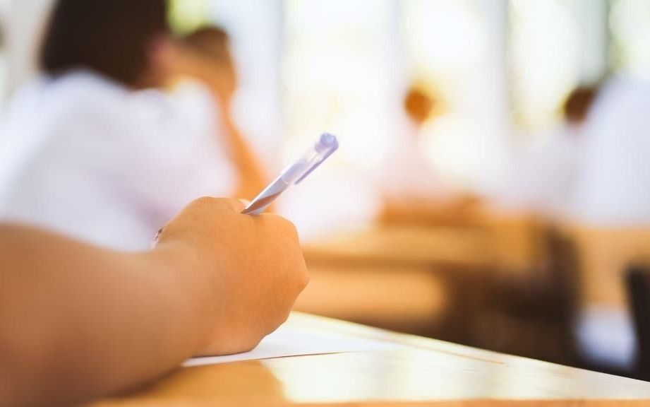Encuentro y debate sobre políticas educativas