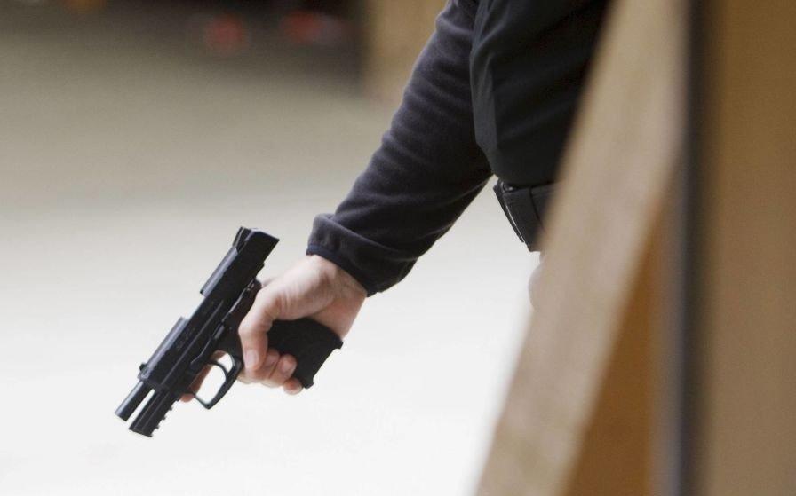 Indagaron al acusado de matar al amigo con un disparo