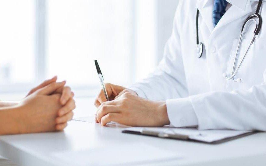 Los médicos bonaerenses pedirán un aumento del 35% con cláusula gatillo