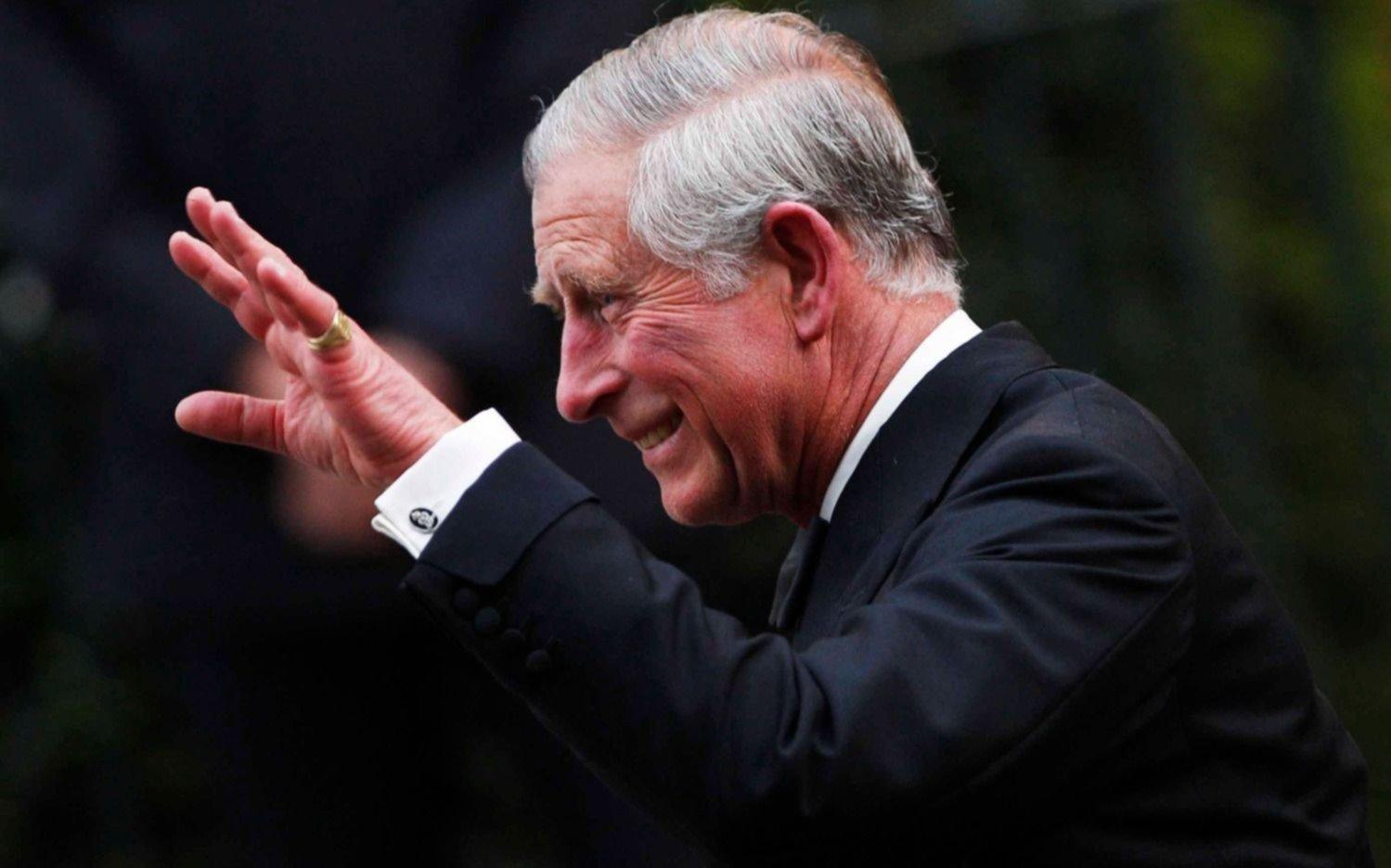 El Príncipe Carlos dio positivo por coronavirus y está en cuarentena