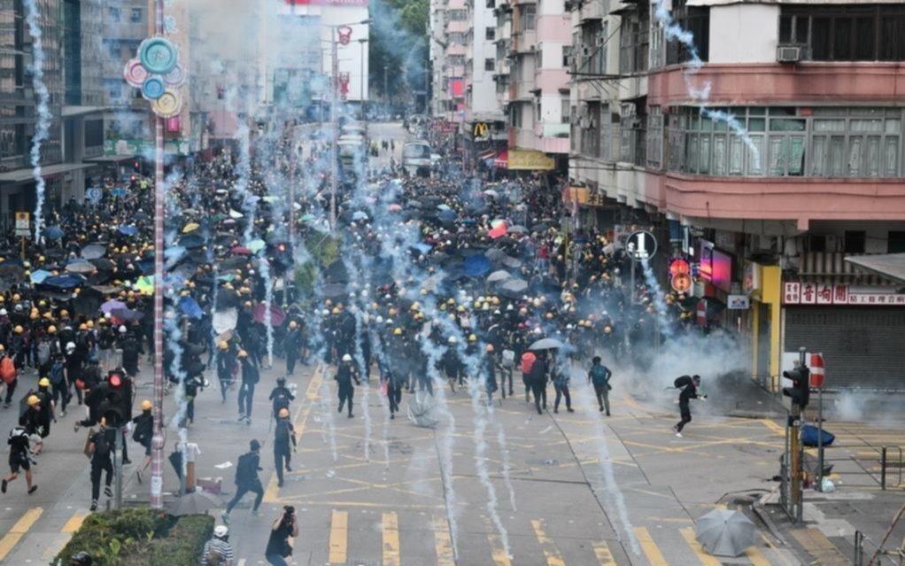 Incidentes en otra masiva movilización en Hong Kong