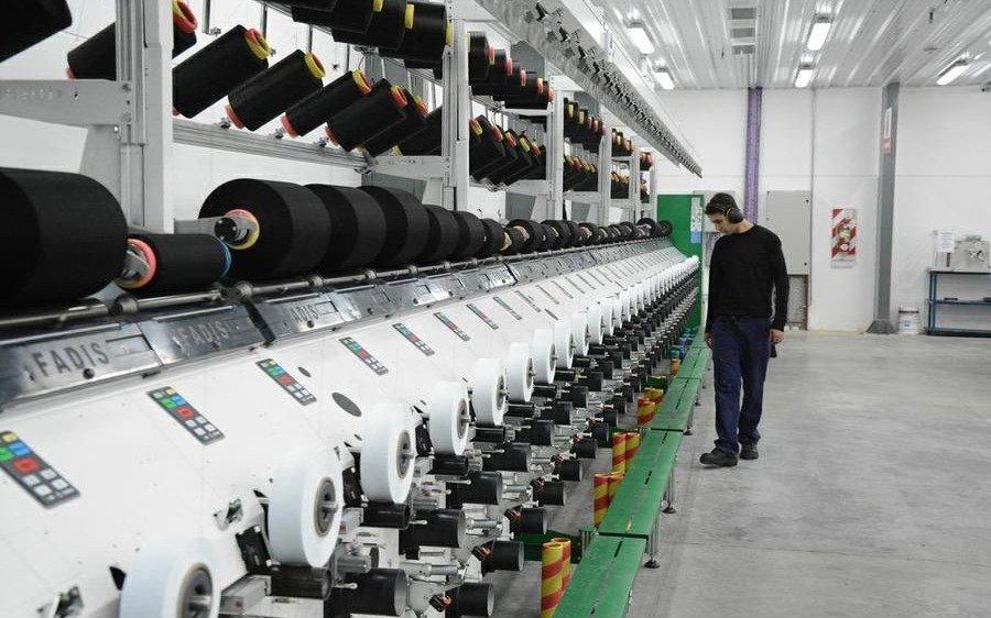 Habilitan otra actividad en La Plata: la fabricación de indumentaria