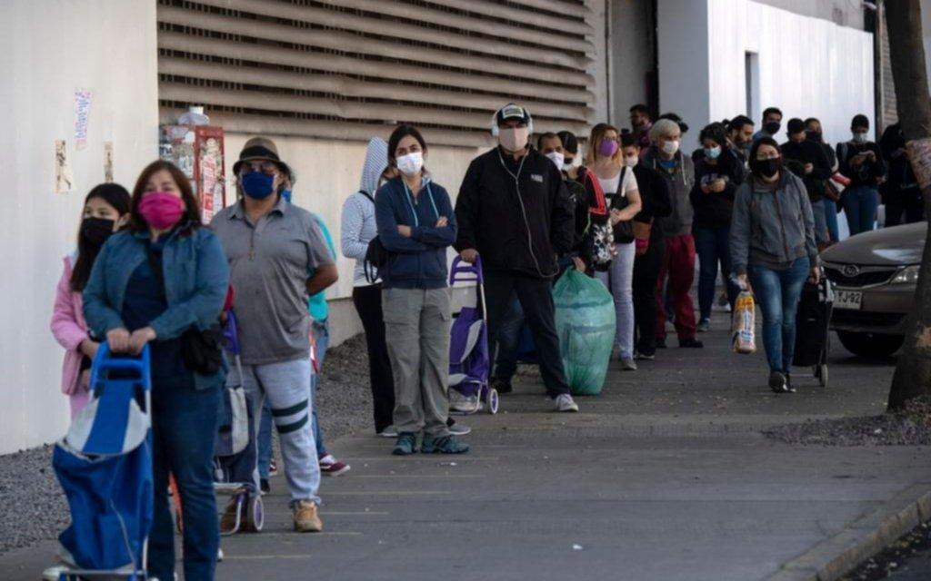 Chile no logra aplanar la curva de infecciones pese a las medidas de confinamiento