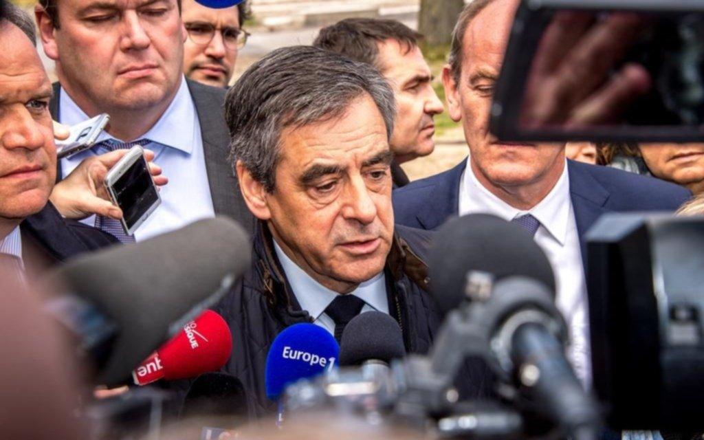 """Prisión para ex premier francés por tener como """"ñoqui"""" a su esposa"""