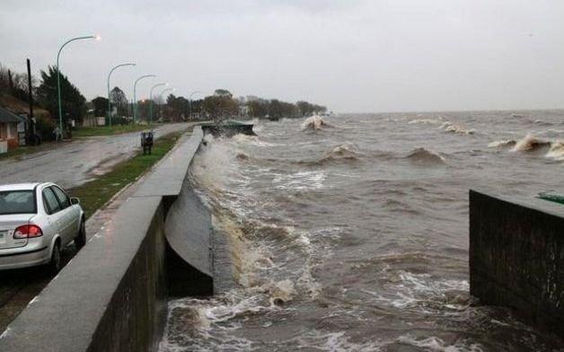 La Región, en guardia por un alerta de crecida en el Río de la Plata