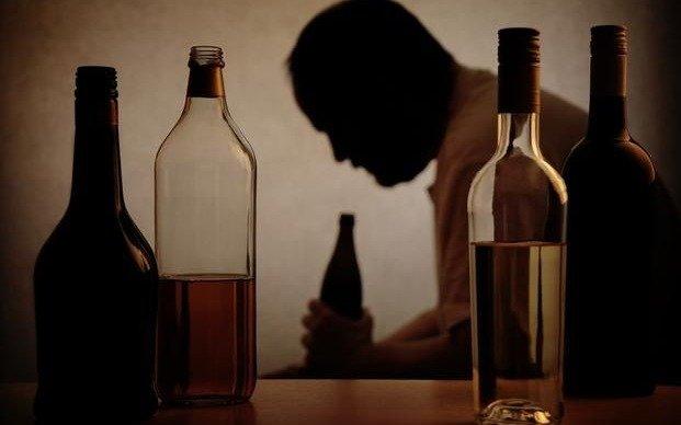 Alcohólicos Anónimos tiene un teléfono de guardia las 24 horas en la Región