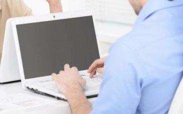 Docentes agotaron el stock de computadoras en un día y se renovará la disponibilidad