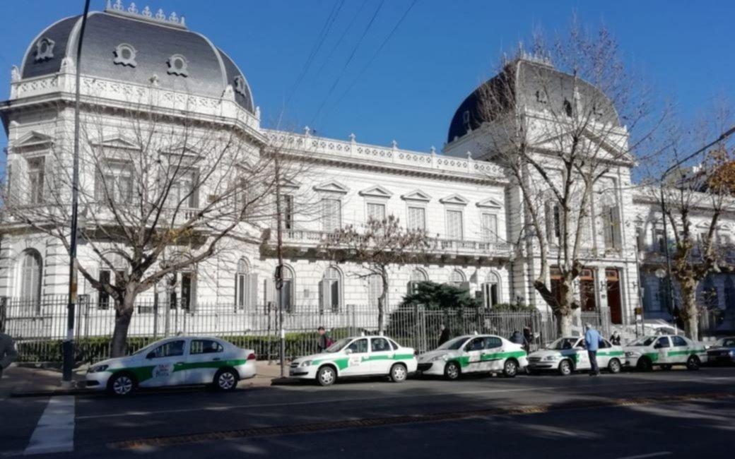 Proponen que Provincia tome deuda por $ 1.200 millones para pagarle a La Plata la Capitalidad