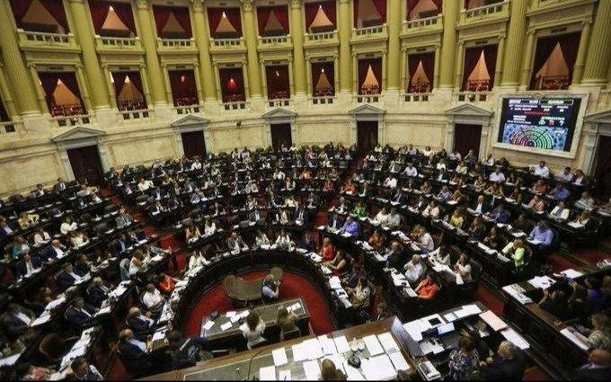Oficializan la reestructuración de la deuda para bonos bajo ley argentina