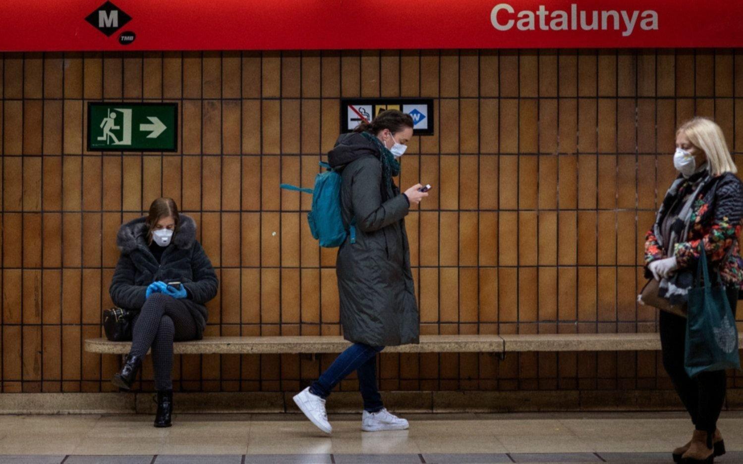 Por el rebrote de casos de coronavirus, recomiendan evitar los viajes a España