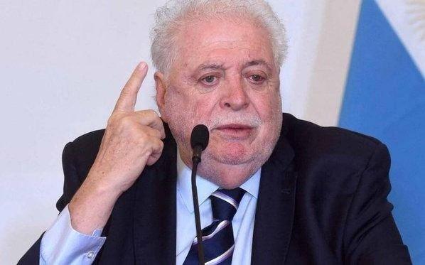 Ginés, contra Macri y su antecesor Rubinstein